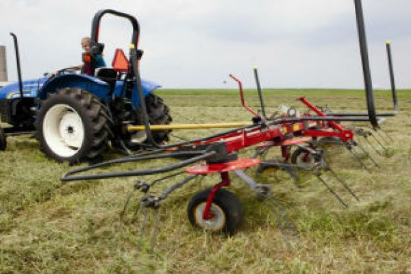 New Holland Haytools & Spreaders » Coastal Tractor, California